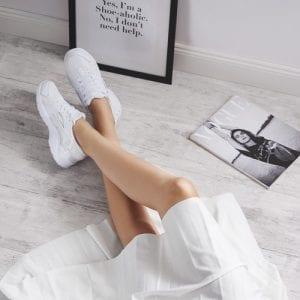 Jak czyścić białe buty sportowe?