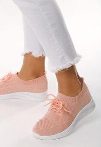 Jak czyścić jasne buty sportowe