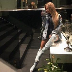 Małgorzata Rozenek w jeansowych kozakach