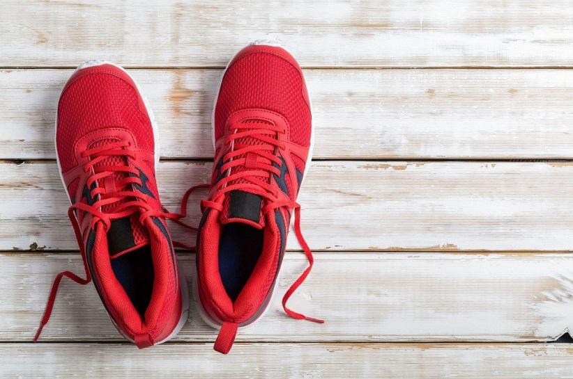 Czerwone Buty Sportowe Klasyk Ktory Ozywi Kazda Stylizacje Born2be