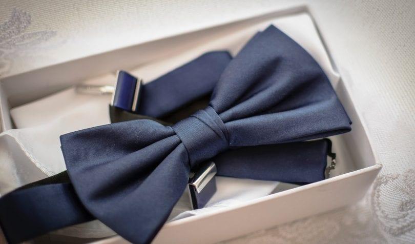 Co wybrać krawat czy muchę?