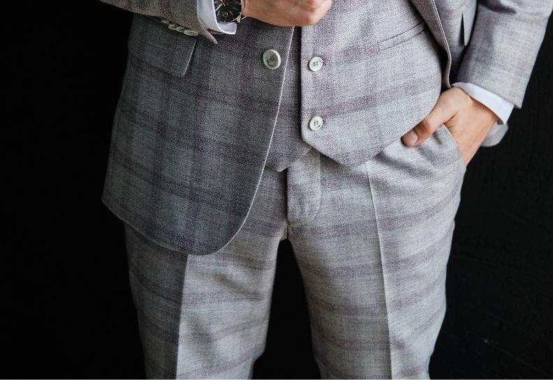 Stylizacje z męskimi spodniami w kratę