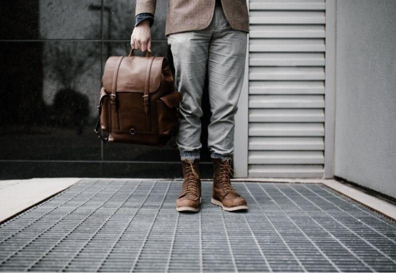Jak nosić trzewiki męskie?