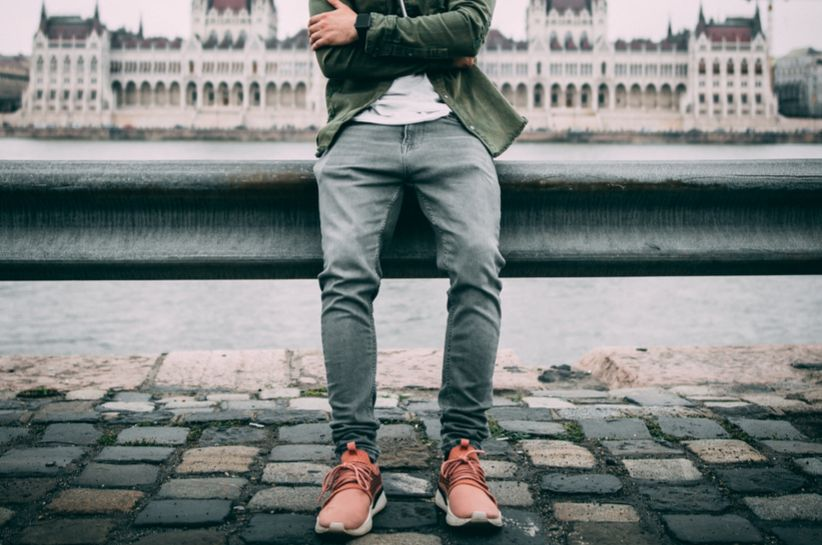 Męskie jeansy stylizacje