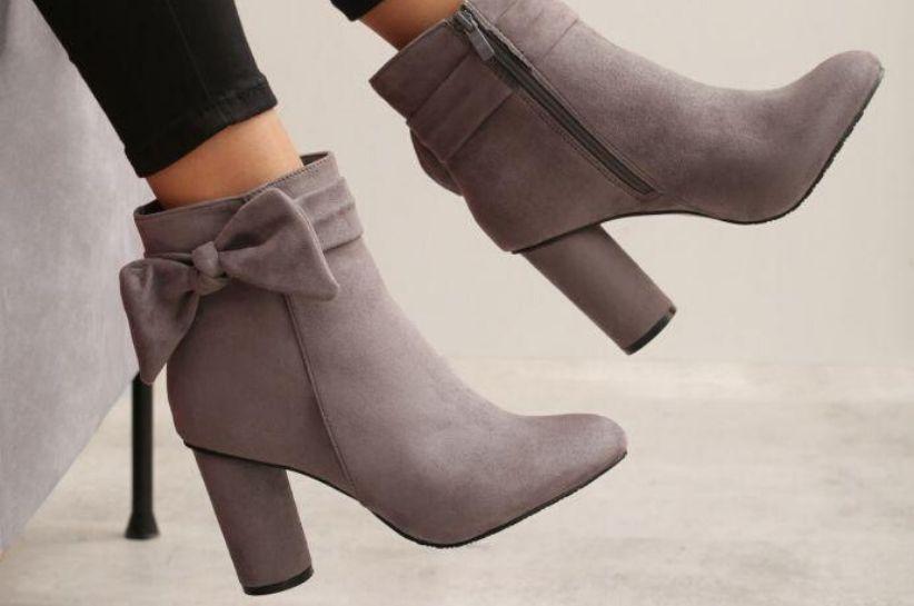 Zakochaj się w szarości! Szare buty – stylizacje w sezonie 19/20