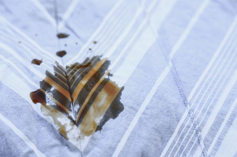 Jak usunąć plamy z herbaty? Dzięki tym metodom żadne zabrudzenie nie będzie Ci straszne!