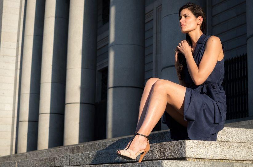 Granatowa Sukienka Stylizacje Nie Tylko Klasyczne Jakie Dodatki Do Granatowej Sukienki To Strzal W Dziesiatke Born2be