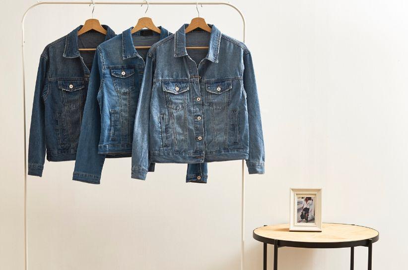 Topowe stylizacje z kurtką jeansową damską – odkryj ten kultowy model na nowo