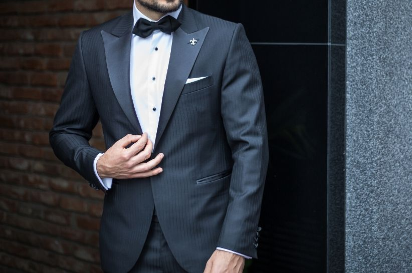 Jak nosić smoking i jakie buty do niego pasują? Kompletny zbiór porad dla mężczyzn z klasą