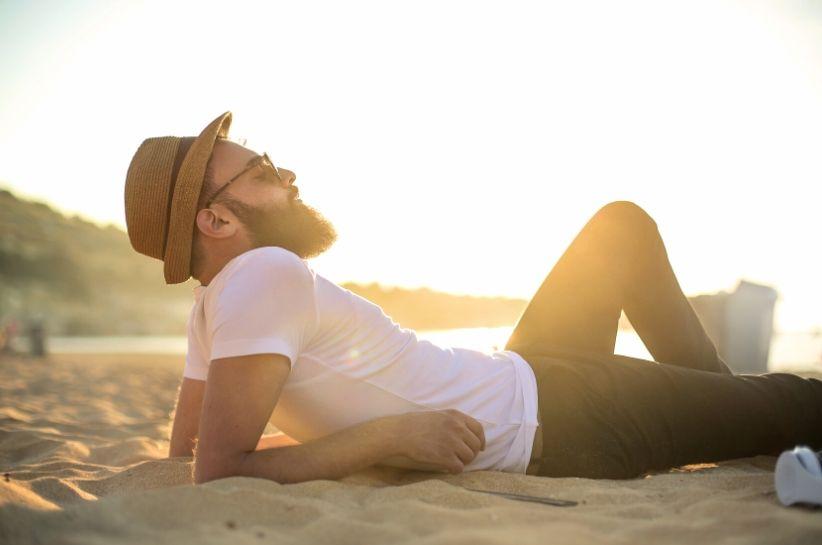 Męskie stylizacje na lato – komfortowe i modne połączenia