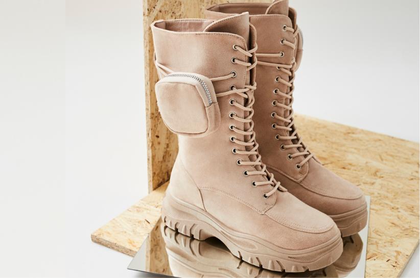 Workery z kieszonką – stylizacje z najmodniejszymi butami sezonu!