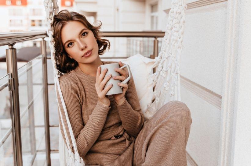 Komplet sweterkowy – komfortowe i spójne stylizacje na różne okazje!