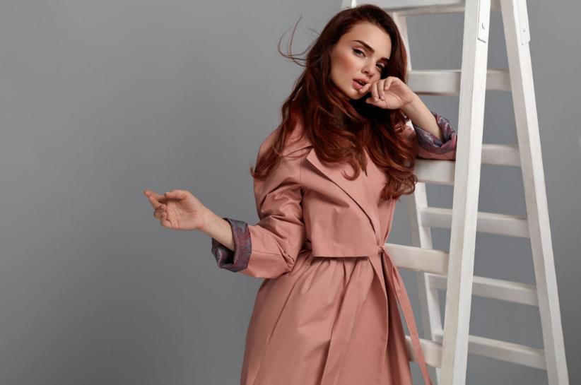 Modne płaszcze 2021 – zobacz, co nosić tej wiosny!