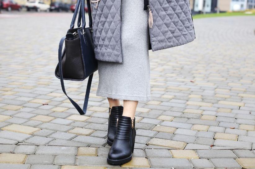 Pikowany płaszcz w najmodniejszych stylizacjach sezonu. Przekonaj się, jak go nosić!